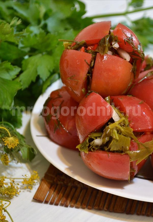 Малосольные помидоры по-армянски с зеленью и чесноком