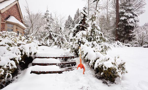 Дача в снегу